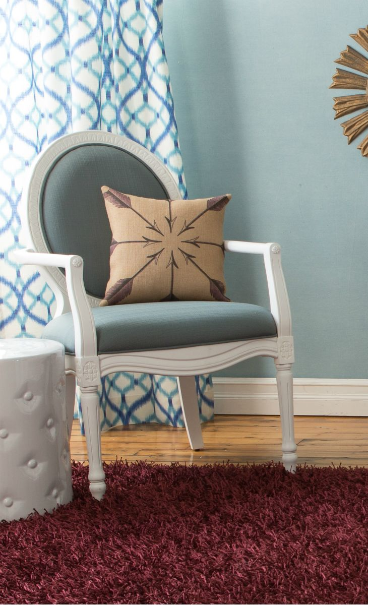 Love this colour combination for a beautiful corner decorating