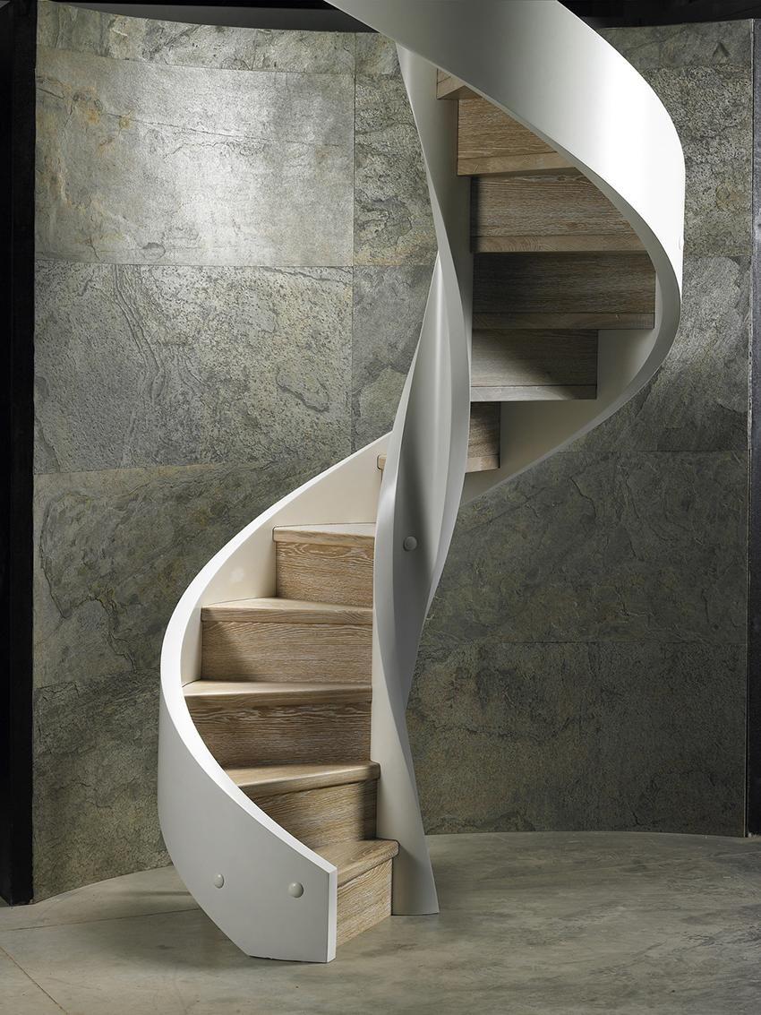 WOODEN STAIRCASE by Rizzi S.A.S di Rizzi Enrico & C.