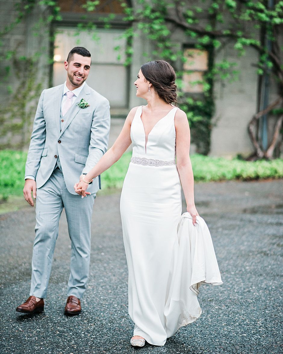 46++ Plunging neckline wedding dress bra information