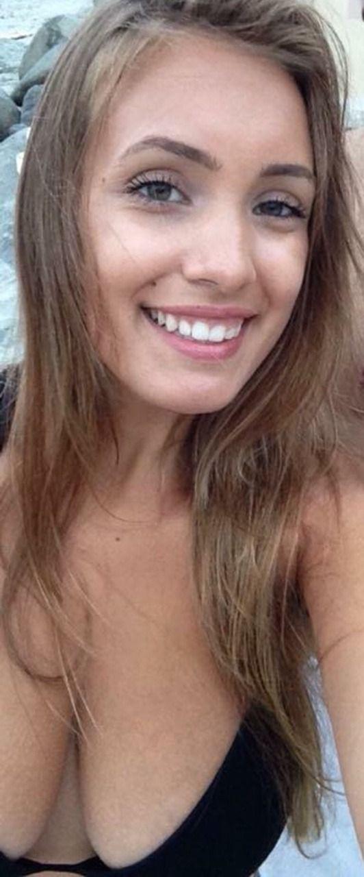 Teen Cleavage Ass Sluts Selfies Boobs Bikinis Nudes Etc All On Teencleavage 2017 On Tumblr