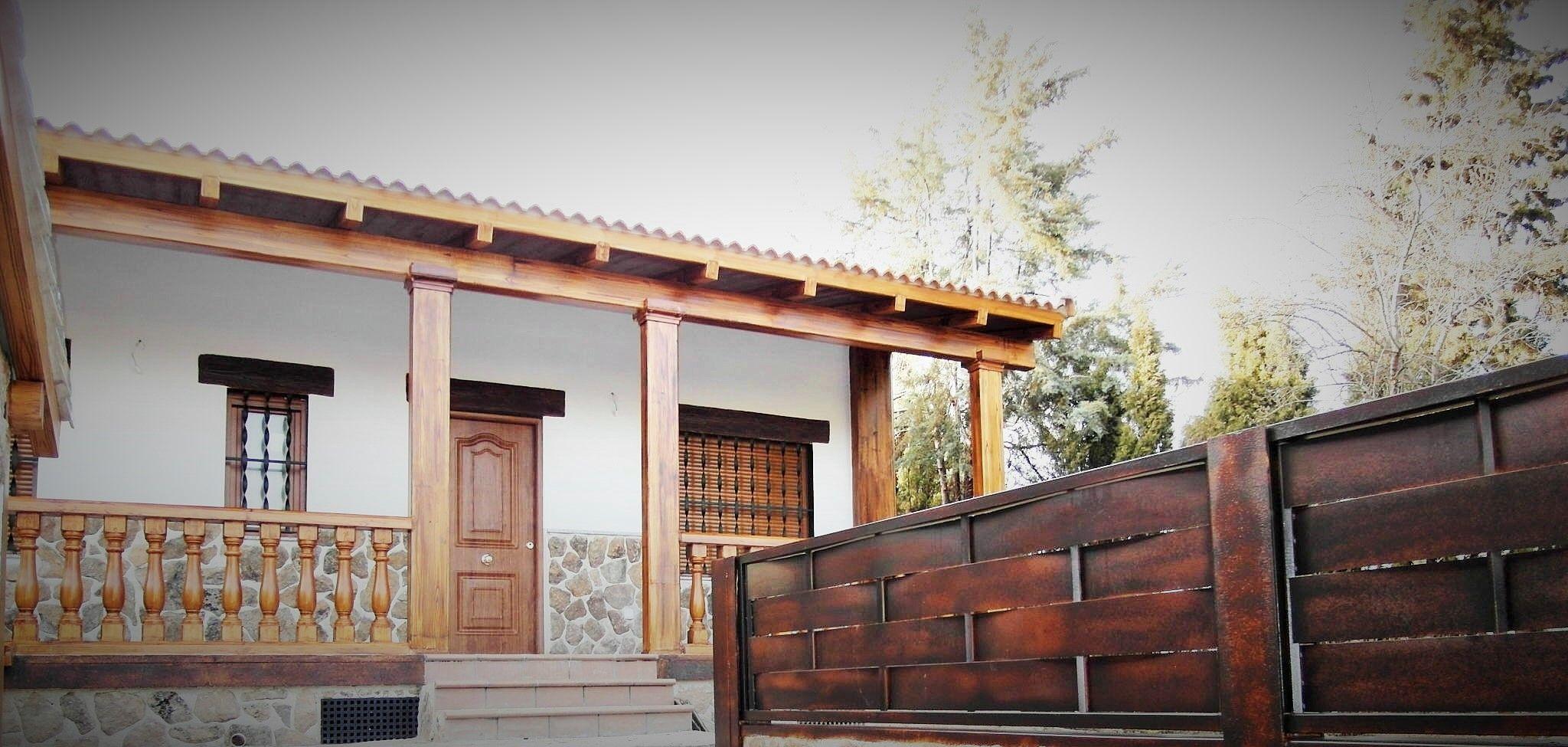 Otro detalle de casa prefabricada rustica con balaustrada - Casas de acero prefabricadas ...