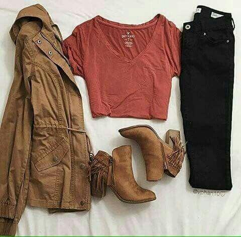 Chamarra cafu00e9 con botas y pantalu00f3n negro outfit de invierno casual | Clothes u2661.u2661 | Pinterest ...