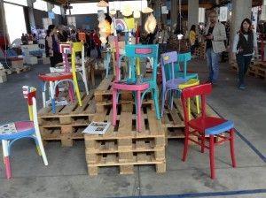 Fuorisalone le sedie colorate di enrico marcato old for Sedie legno colorate