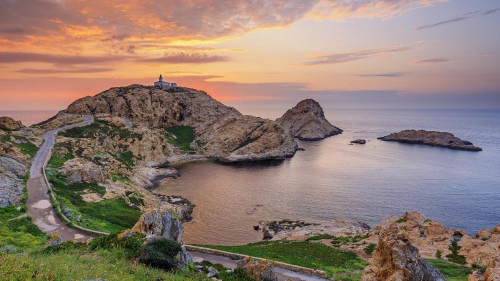 Imgurl Https Www Bing Com Th Id Abt1eeb2e5fd78c2d2ad6671a66ed43d910e1e0532b0431223e11b2214ddd3eca19 Qlt 90 Pid Inlineblock Corsica Lighthouse European Travel