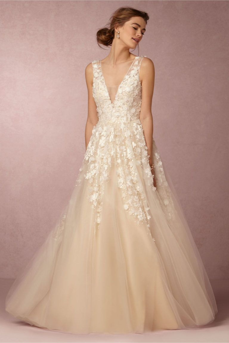 19 exquisitely romantic bohemian wedding dresses junglespirit Gallery