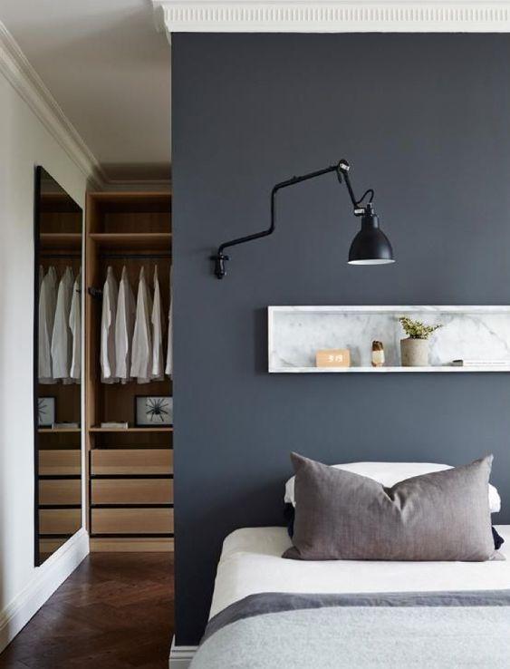 Progettare una cabina armadio dietro letto stanza da for Progettare una camera da letto
