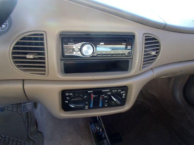 2g4ws52jx11331385 2001 Buick Century Cu With Aftermarket Radio