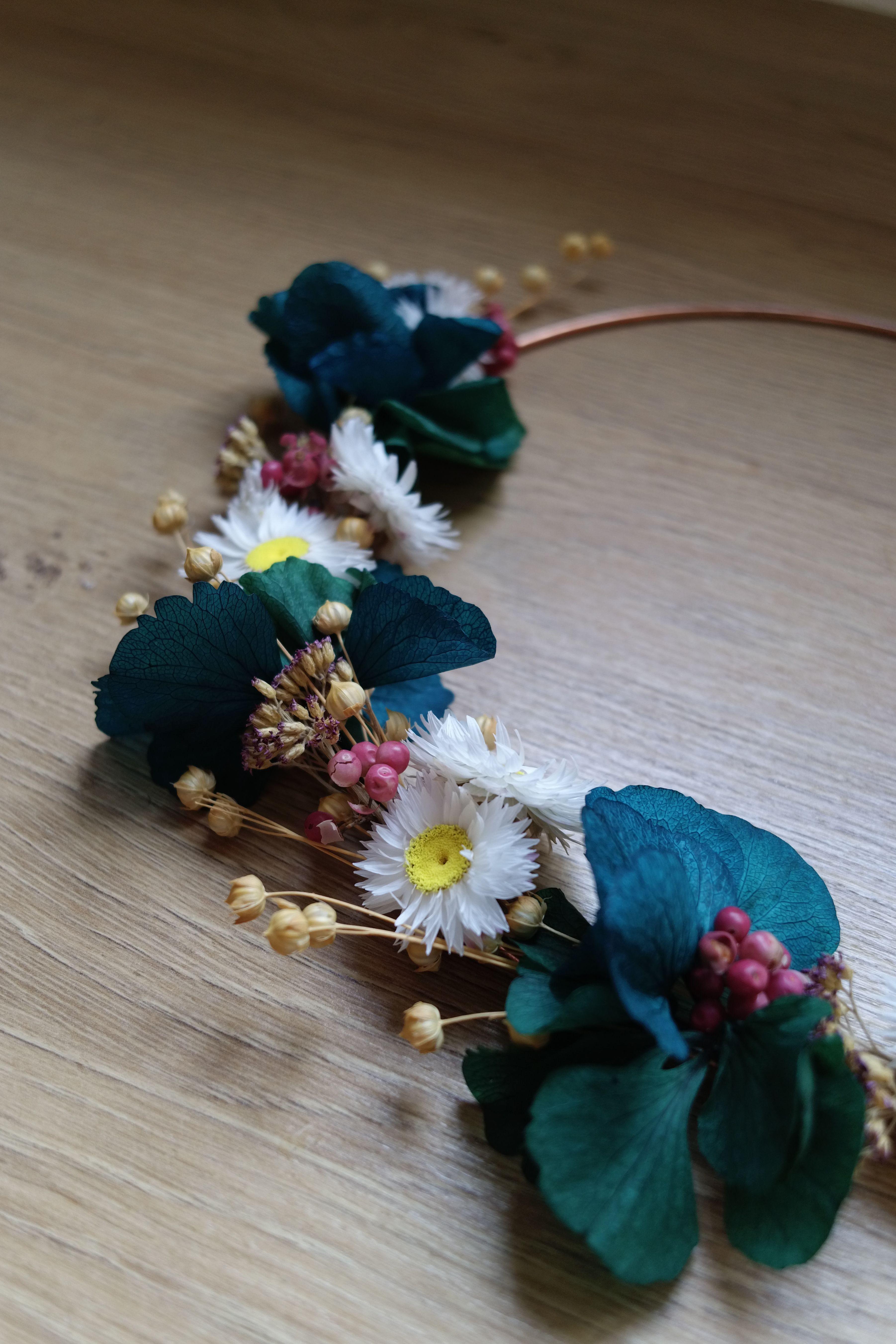 Comment Faire Secher Une Rose Fraiche circle metal crown | home | fleurs séchées, fleurs