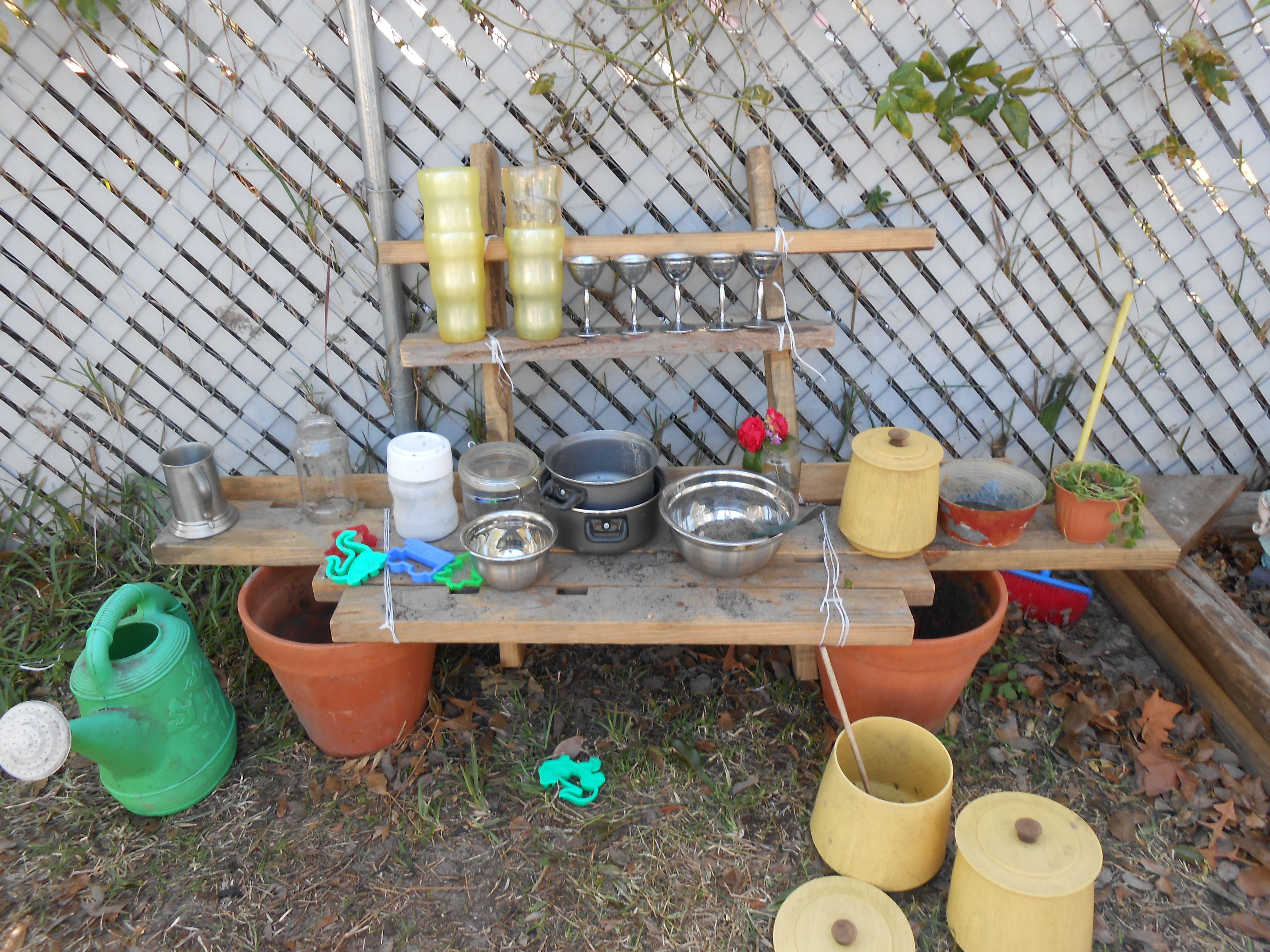 OUTDOOR MUD KITCHEN Simple to make. I got idea after i