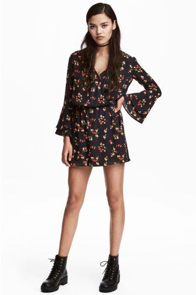 variedad de diseños y colores hermosa en color apariencia elegante Mono | She's got the look ! | Black playsuit, Fashion ...