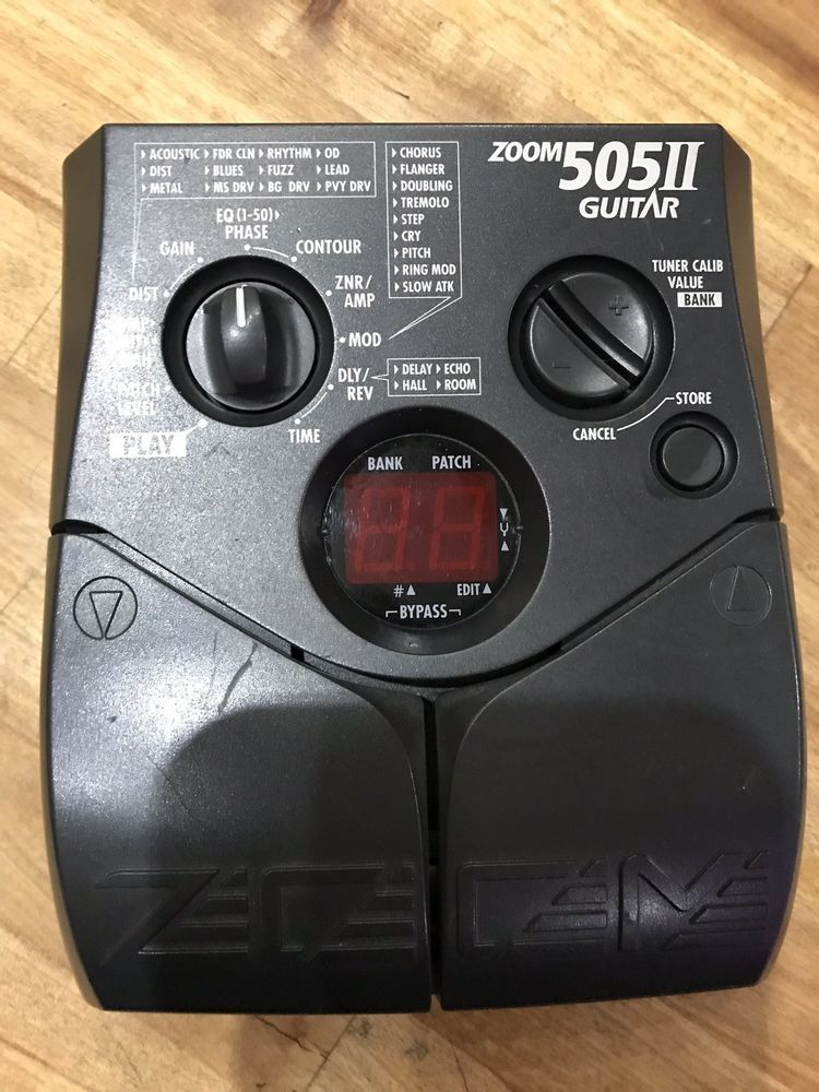 Zoom 505 2 Guitar Multi Effects Pedal In Black Guitar Multi Effects Pedal Guitar Guitar Effects