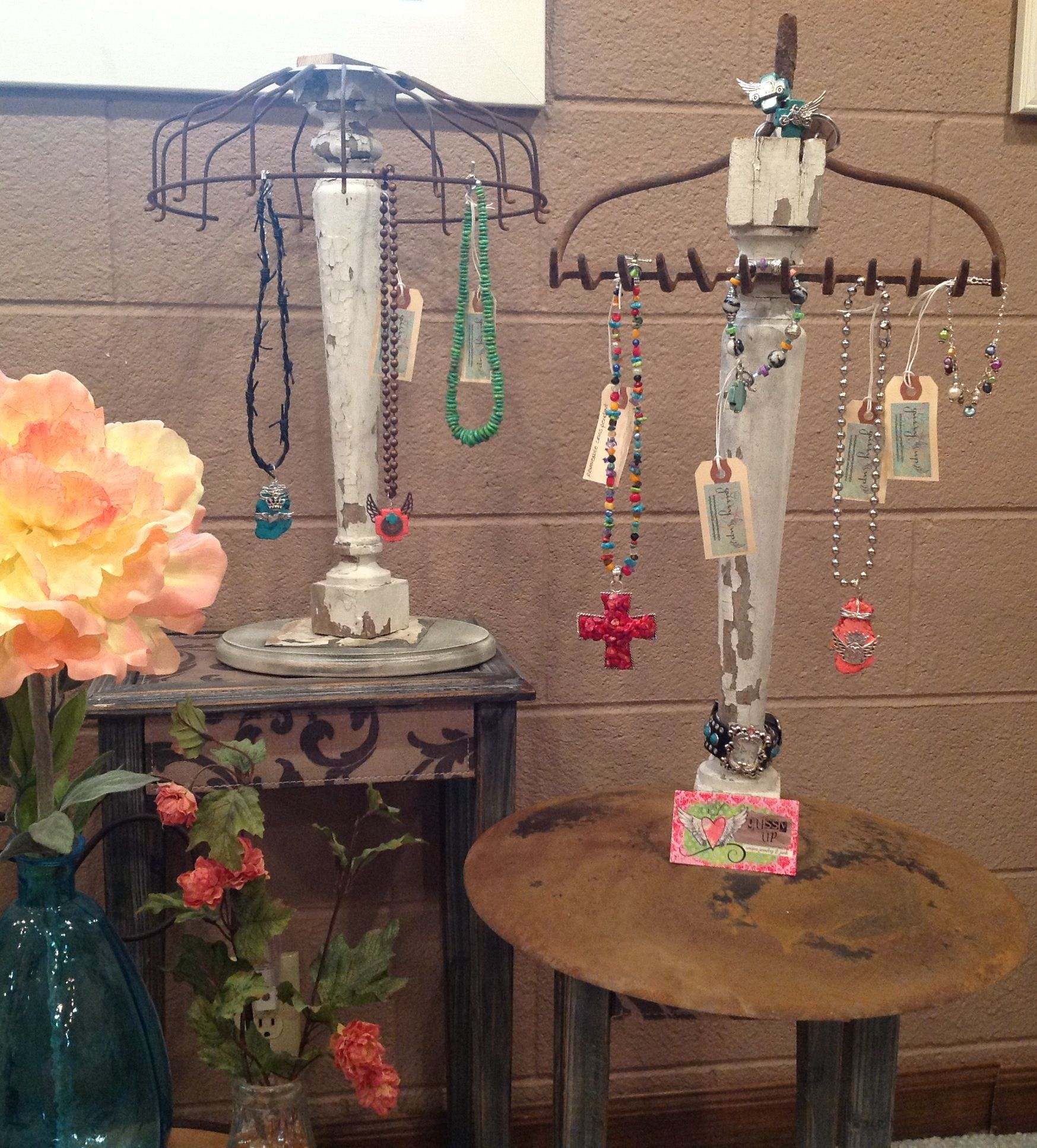 Jewelry displays - think I'll just make displays and sell ...