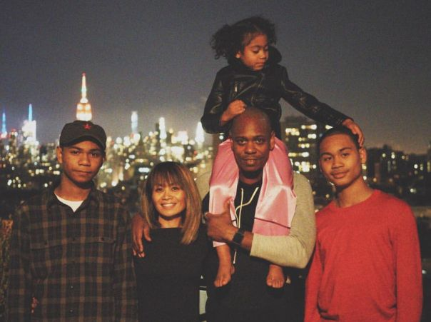 happily married husband and wife dave chappelle and elaine chappelle with their children dave chappelle comedians celebrity families happily married husband and wife dave