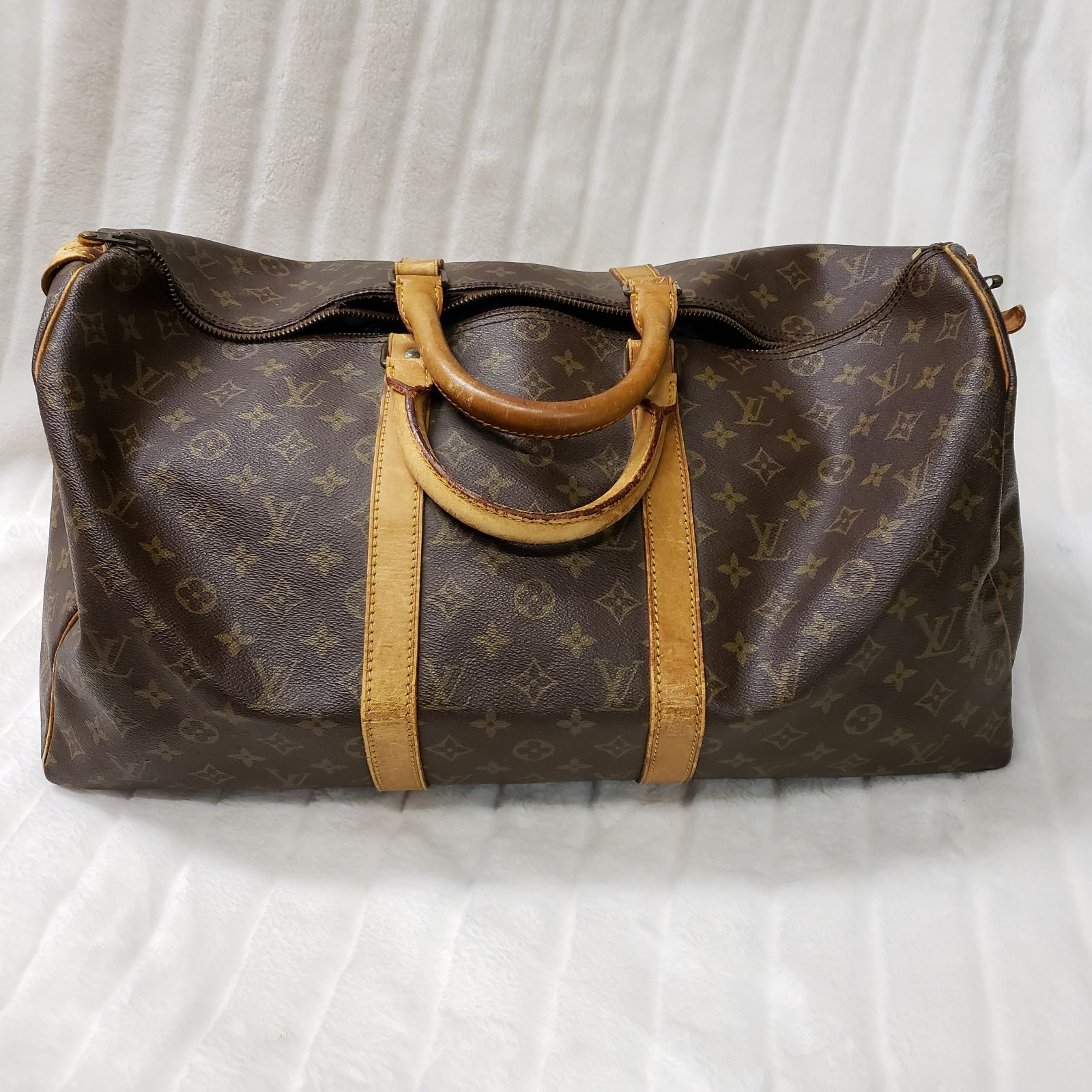 Vintage Louis Vuitton Keepall 50 From 1982 Canvas In Great Condition Some Cracking In The Leath Louis Vuitton Keepall 50 Louis Vuitton Louis Vuitton Luggage