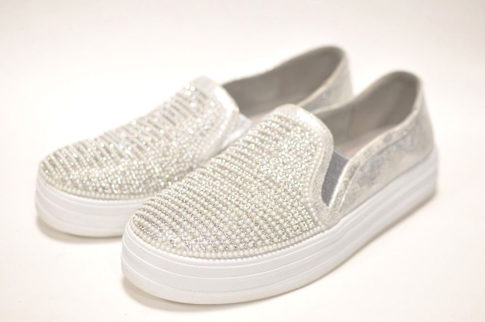 Skecher Street Women s Double Up Fashion Sneaker Size 8 SN 801 Beaded   Bling Stud  Skechers  SlipOn 6598c3b8b6