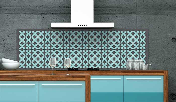 Küchenrückwand gestalten und mit steinmauer regale und holz ...