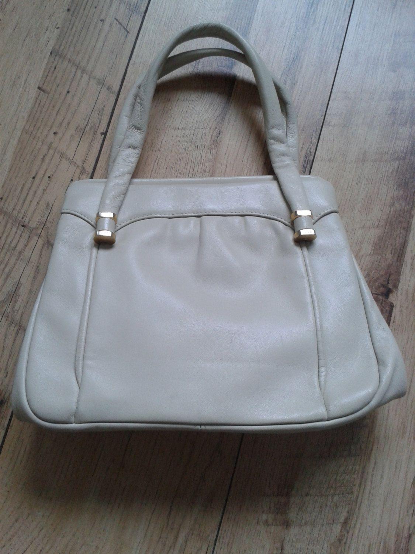 6776961d18 Vintage Jane Shilton soft leather cream handbag by DottysVintageFinds on  Etsy