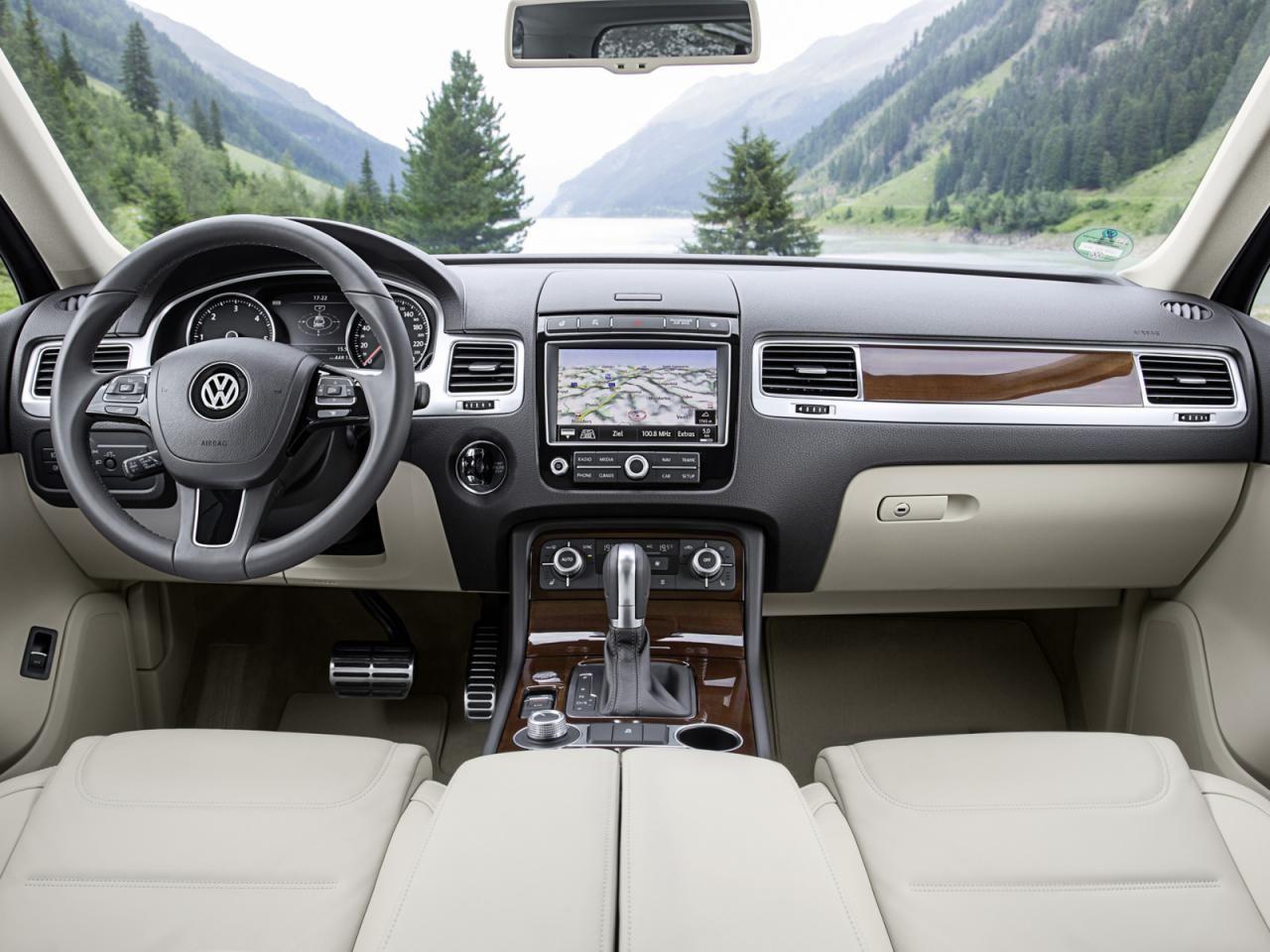 2015-Volkswagen-Touareg-interior.jpg (1280×960) | Juané Car ...