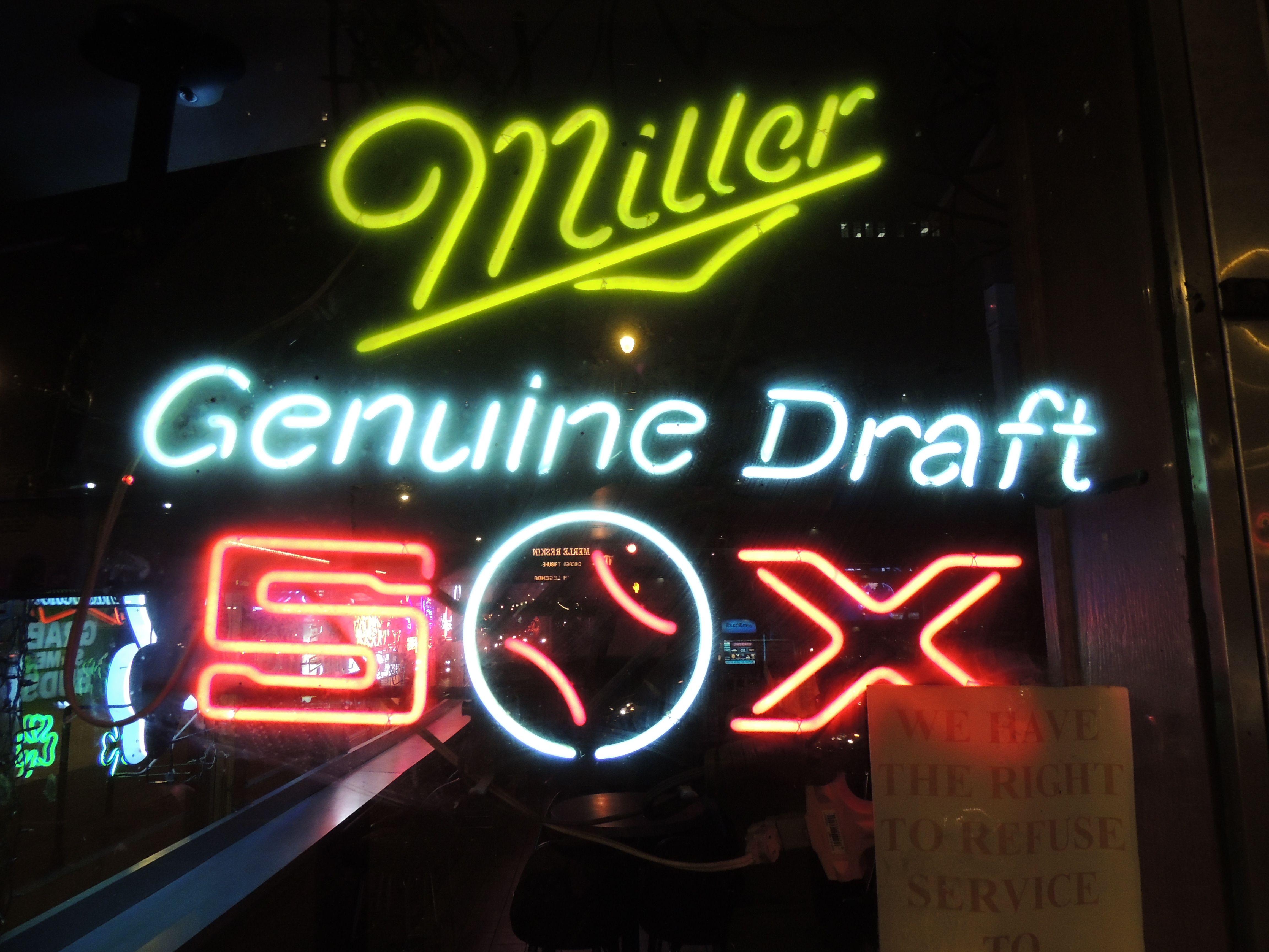 Neon Beer Sign . Chicago White Sox Mlb Baseball