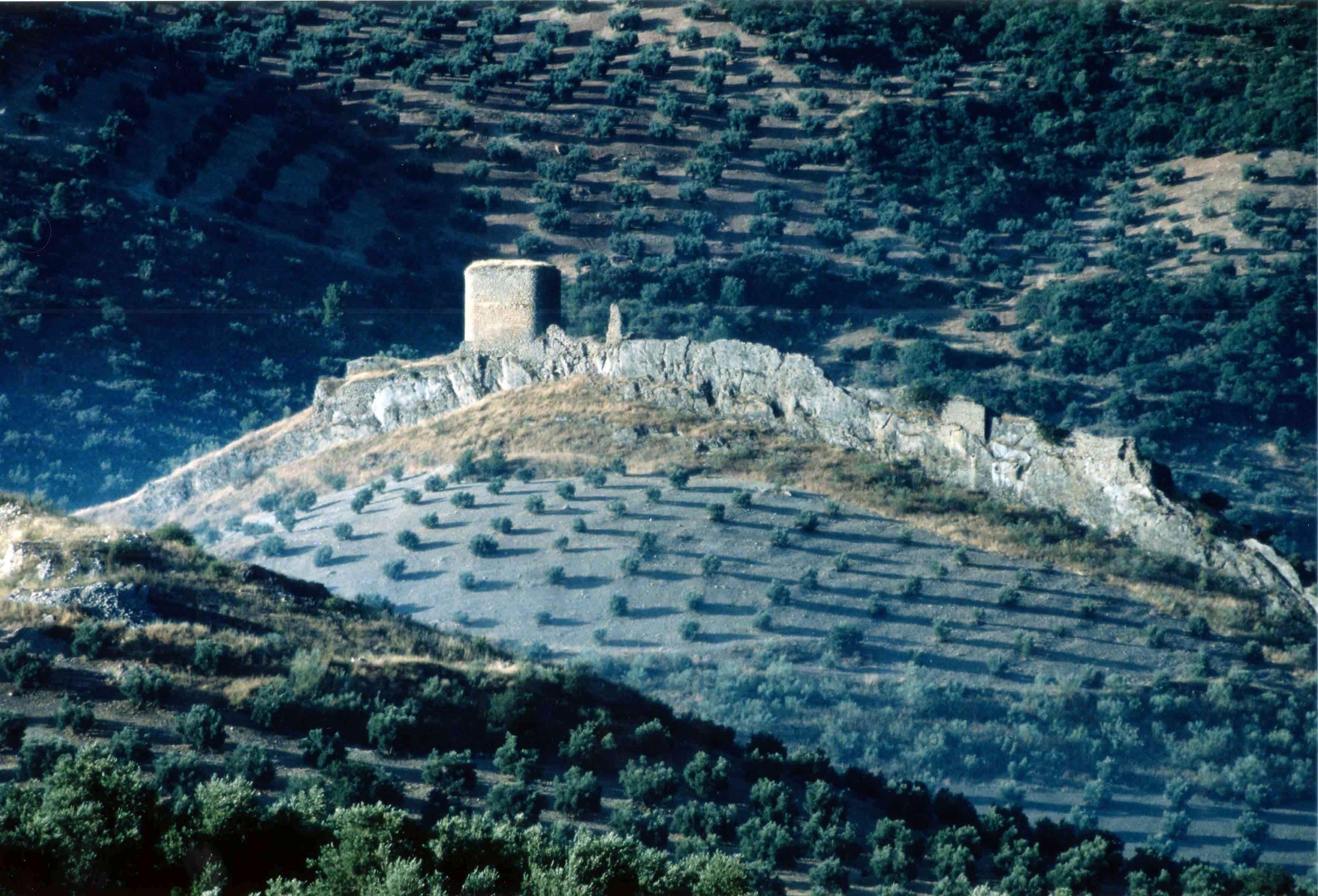 Por fin es viernes y hoy disfrutamos del Castillo de la Encomienda de Víboras la población de Las Casillas anejo de Martos.