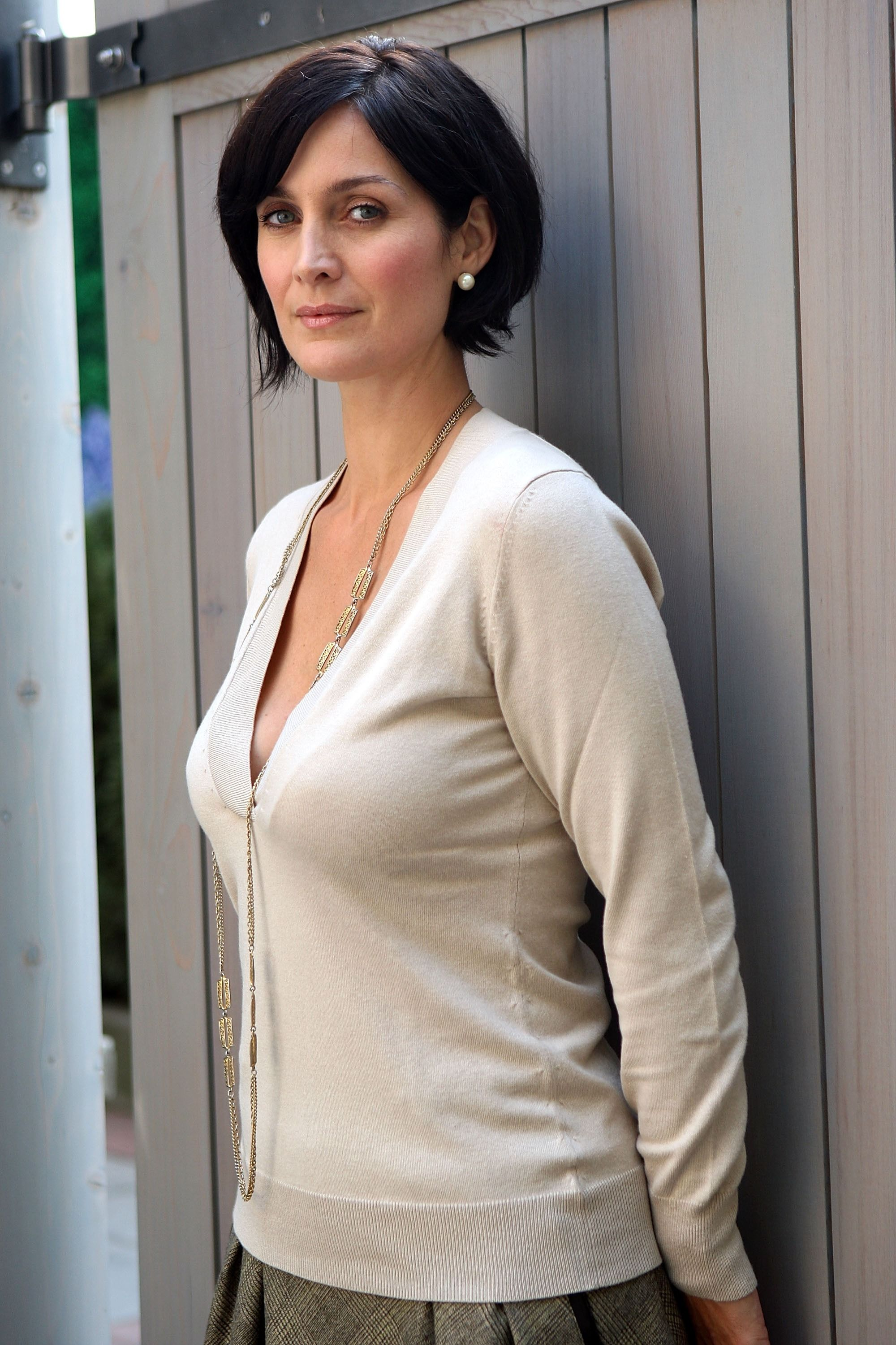 Pin on Carrie Anne Moss