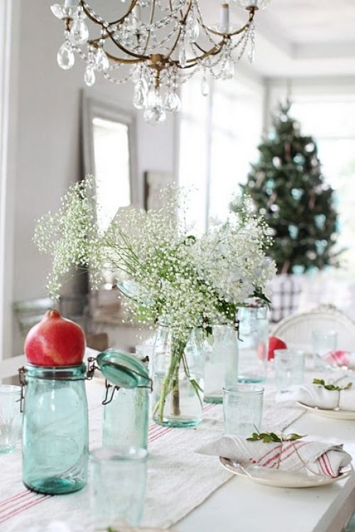 10 Christmas Table Settings   pomegranates and babies breath.