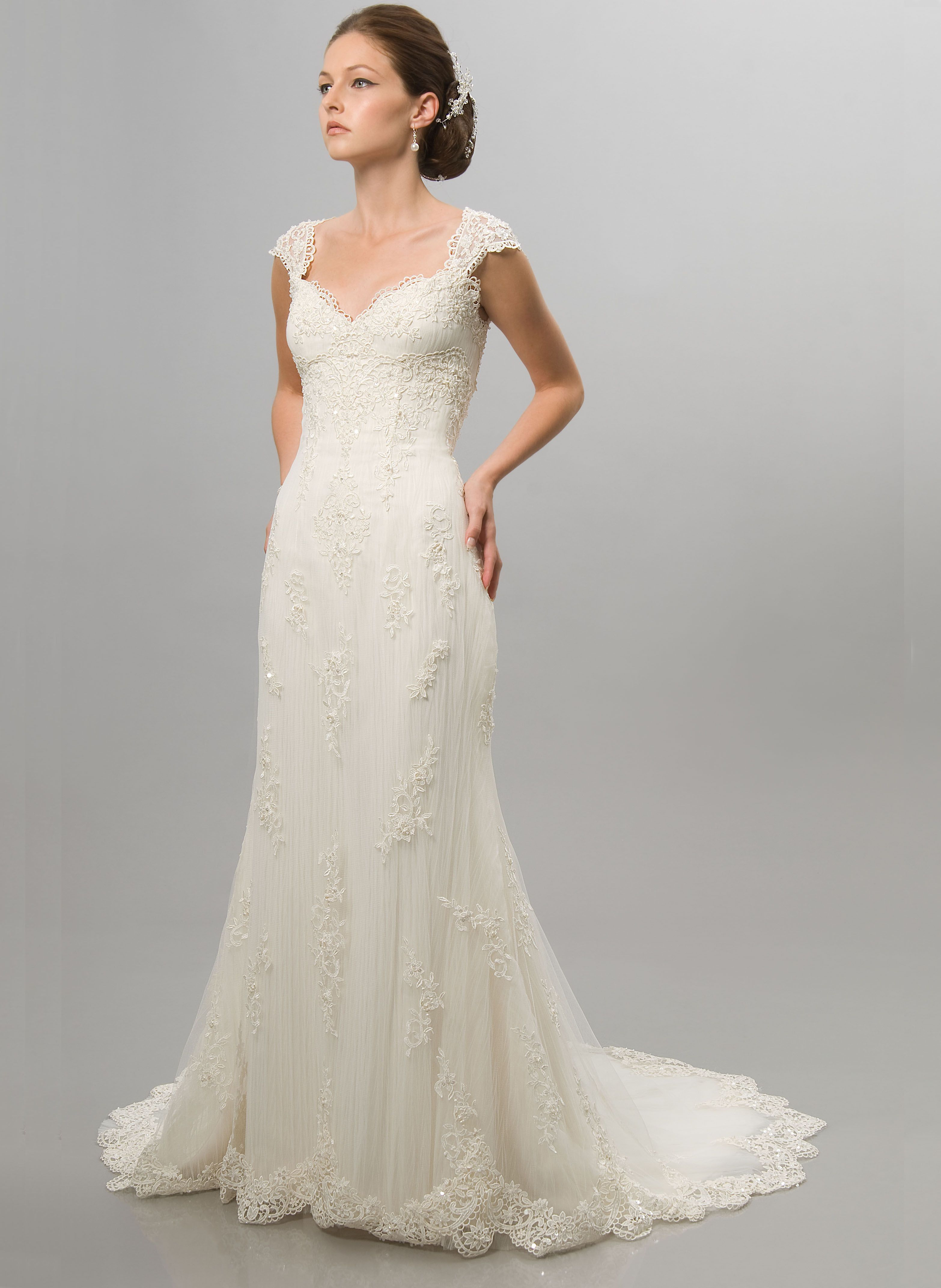 oh my gosh this is the wedding dress i have been imaging in my head cap sleeve