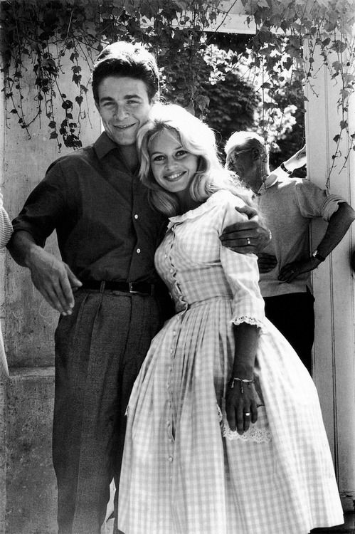 brigitte bardot with jacques charrier on their wedding day