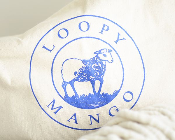 Loopy Mango Big Loop Yarn and knitting tools for super chunky knits are available in Spain at http://www.madejadeoveja.com/ AGUJAS CIRCULARES DE MADERA DE ABEDUL | Madeja de Oveja