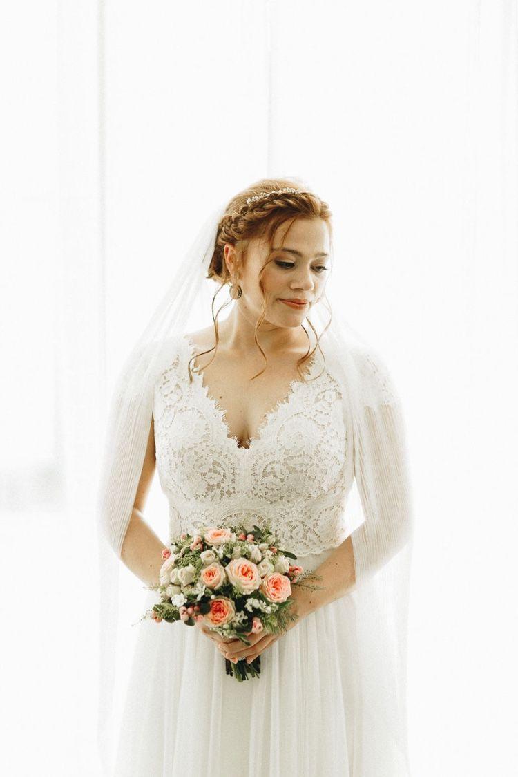 natürliches, lockeres Brautstyling  Brautfrisuren vintage, Braut