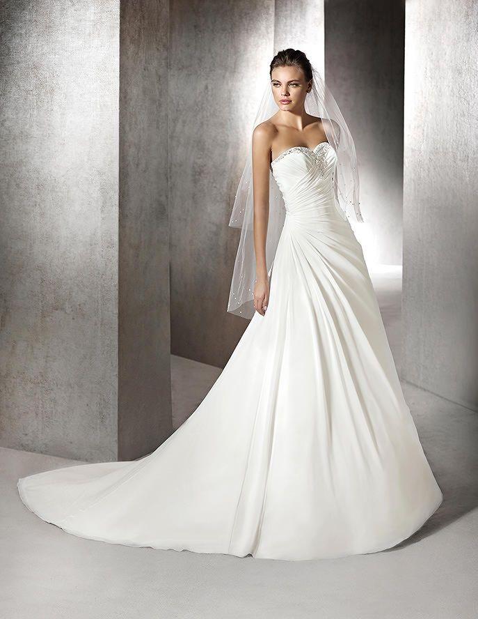 zafiro, vestido de novia original, escote corazón | ideas san