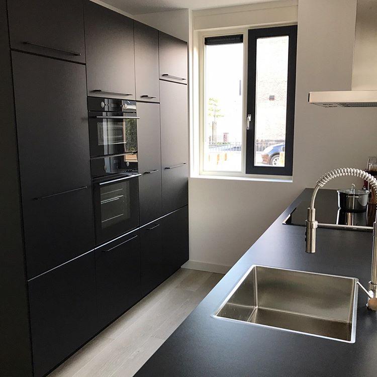 ikea kungsbacka black kitchen zwarte keuken cool kitchens pinterest kitchens interiors. Black Bedroom Furniture Sets. Home Design Ideas