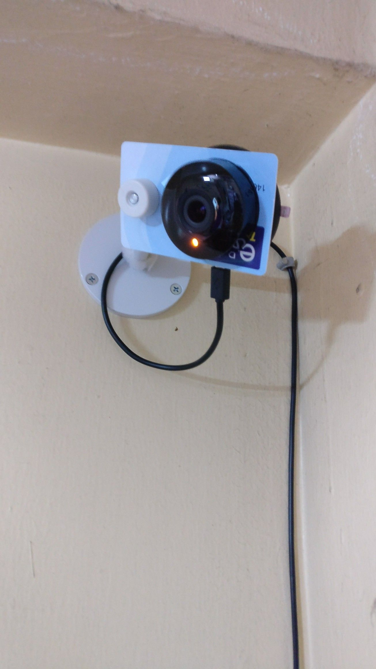 DIY Yi Home Camera Mount using any cctv camera mount and a plastic
