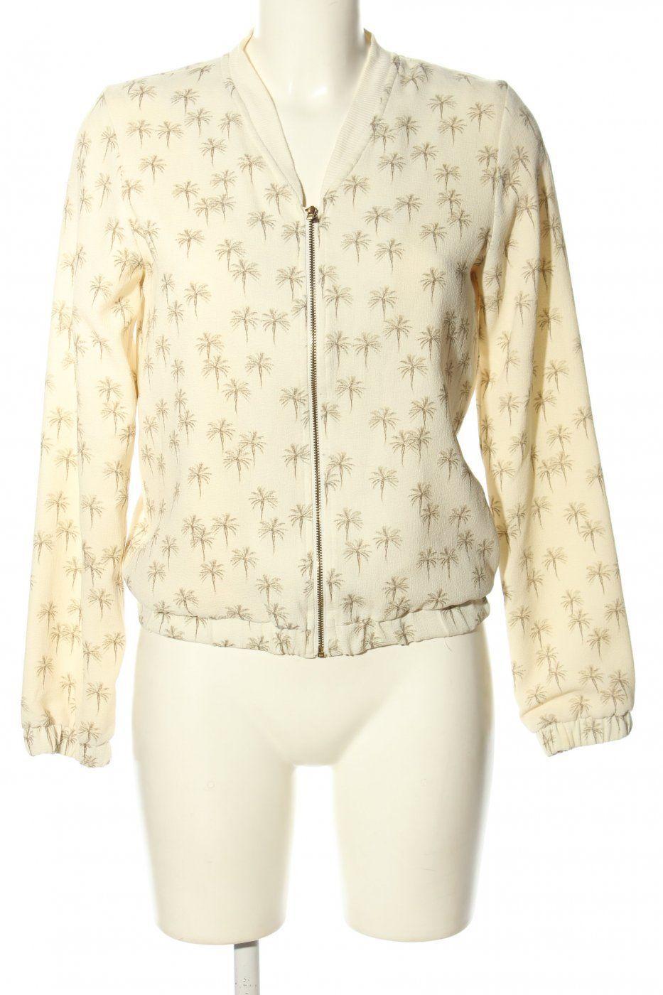 Pull Bear Chaqueta Blanca Marrón Por Todo La Impresión Look Casual Bear Jacket Casual Looks Casual