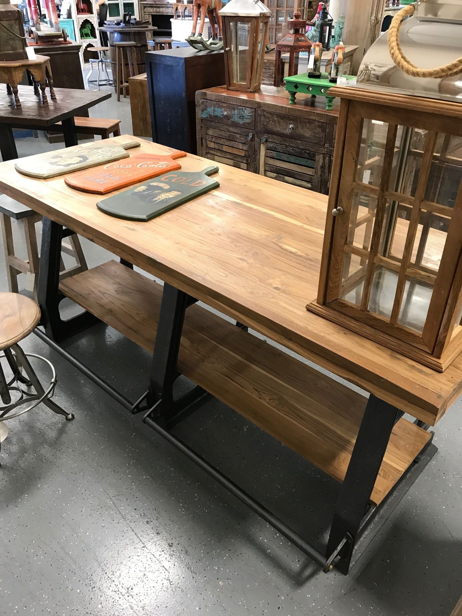 Industrial Furniture Store Located In Orlando Fl Artisan Furniture Orlando Offers A Wide Selection Of Quality Furni Artisan Furniture Furniture Wood Furniture