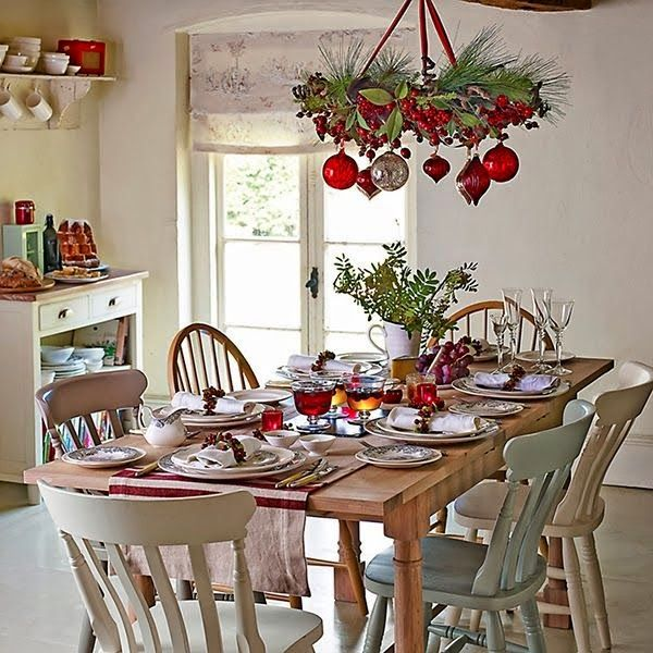 37 Amazing Christmas Dining Room Décor Ideas : 37 Amazing Christmas Dining  Room Décor With White Wall And Wooden Beams And Dining Table Chai.