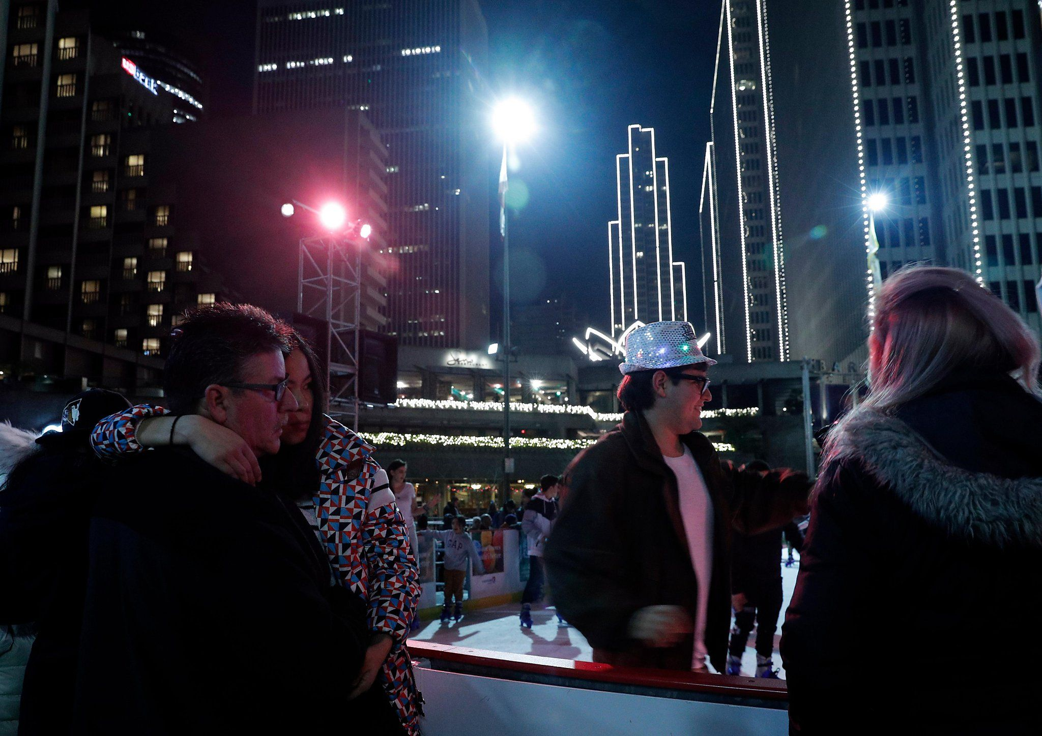 Need A Last Minute Place To Stay For New Year S Eve These San Francisco Hotels Still Have Deals San Francisco Hotel New Years Eve Hotel