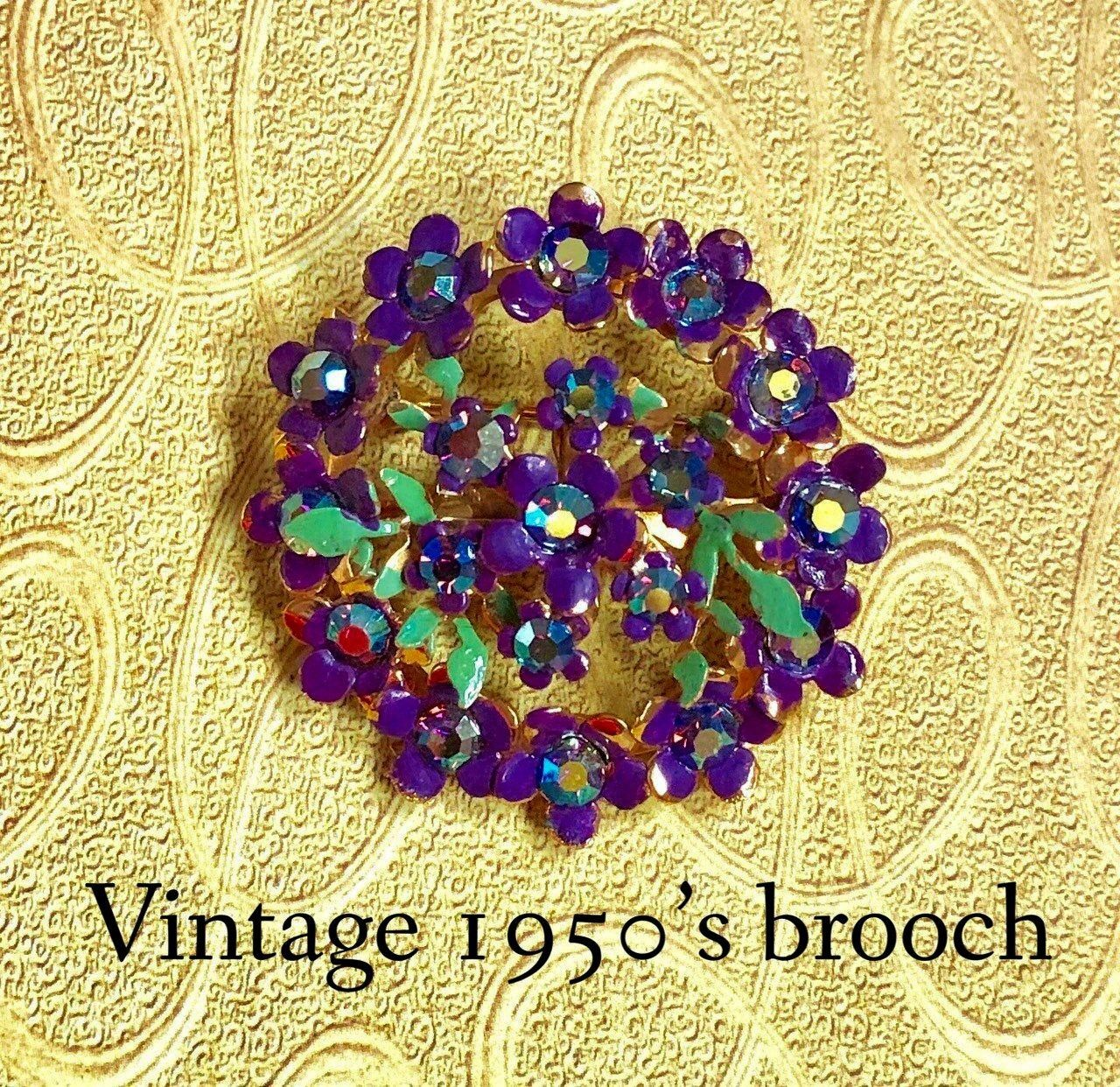 jewellery 1950s gold tone aurora borealis brooch retro pin purple pansies costume jewelry vintage brooch Excited to share this item from my shop Vintage jewellery 1950s g...