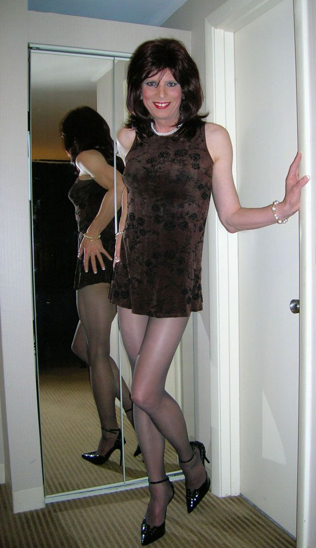 Nude female stripper photo