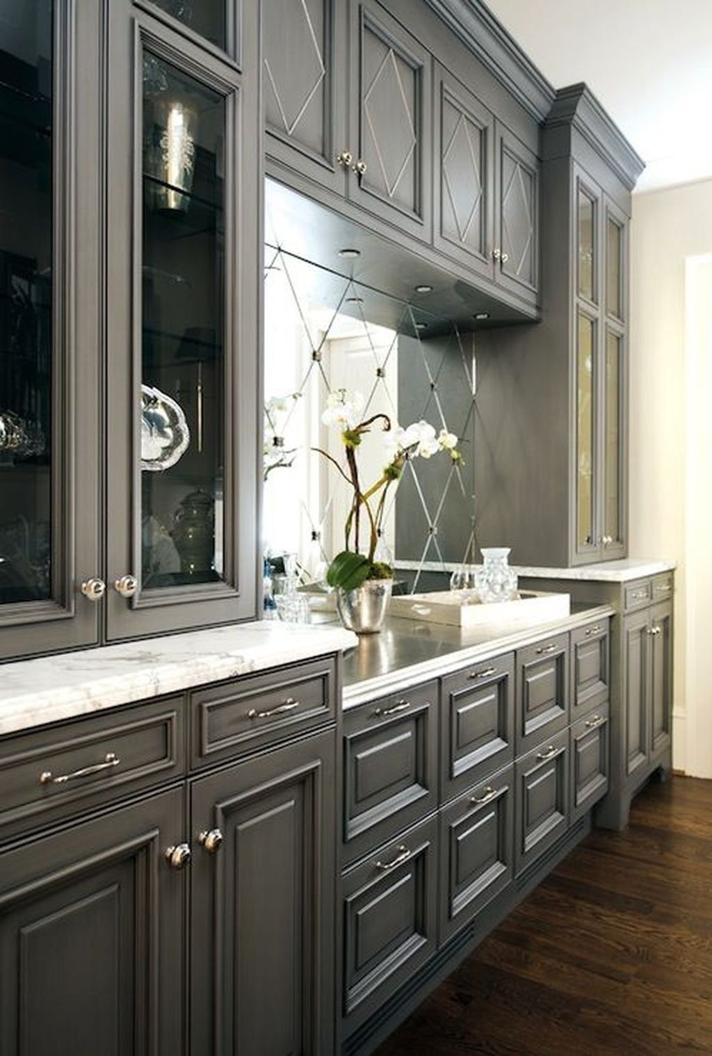 30 popular kitchen color scheme ideas for dark cabinets grey kitchen cabinets farmhouse on kitchen paint colors id=69066