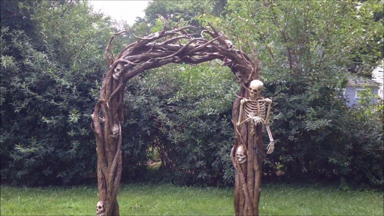 Hopewell Va Halloween 2020 Vine Arch | Halloween yard displays, Halloween porch, Halloween