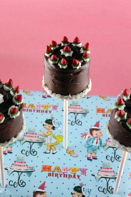 12 Layer CakepOPs  fait  sur commande by LaDinetteShop on Etsy, $54.00