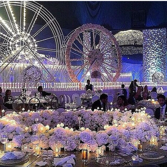 Mind Blowing Aisle Decor: Mind Blowing Wedding. Ferris Wheels And Table Decorations