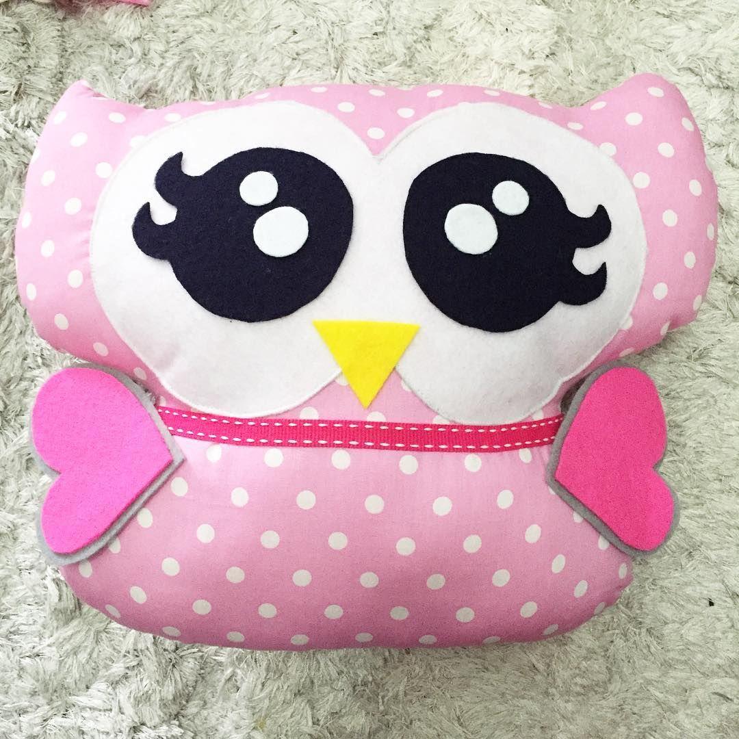 Lovely pink Mama Owly 😍💕😍💕  .  .  .  .  #bandung #hunioshop #sewingproject #sewing #handmade #owl #bantalowl #owlplushie #plushie #owldoll #custom #kadounik #gift #pink #love #cushion #owlcushion