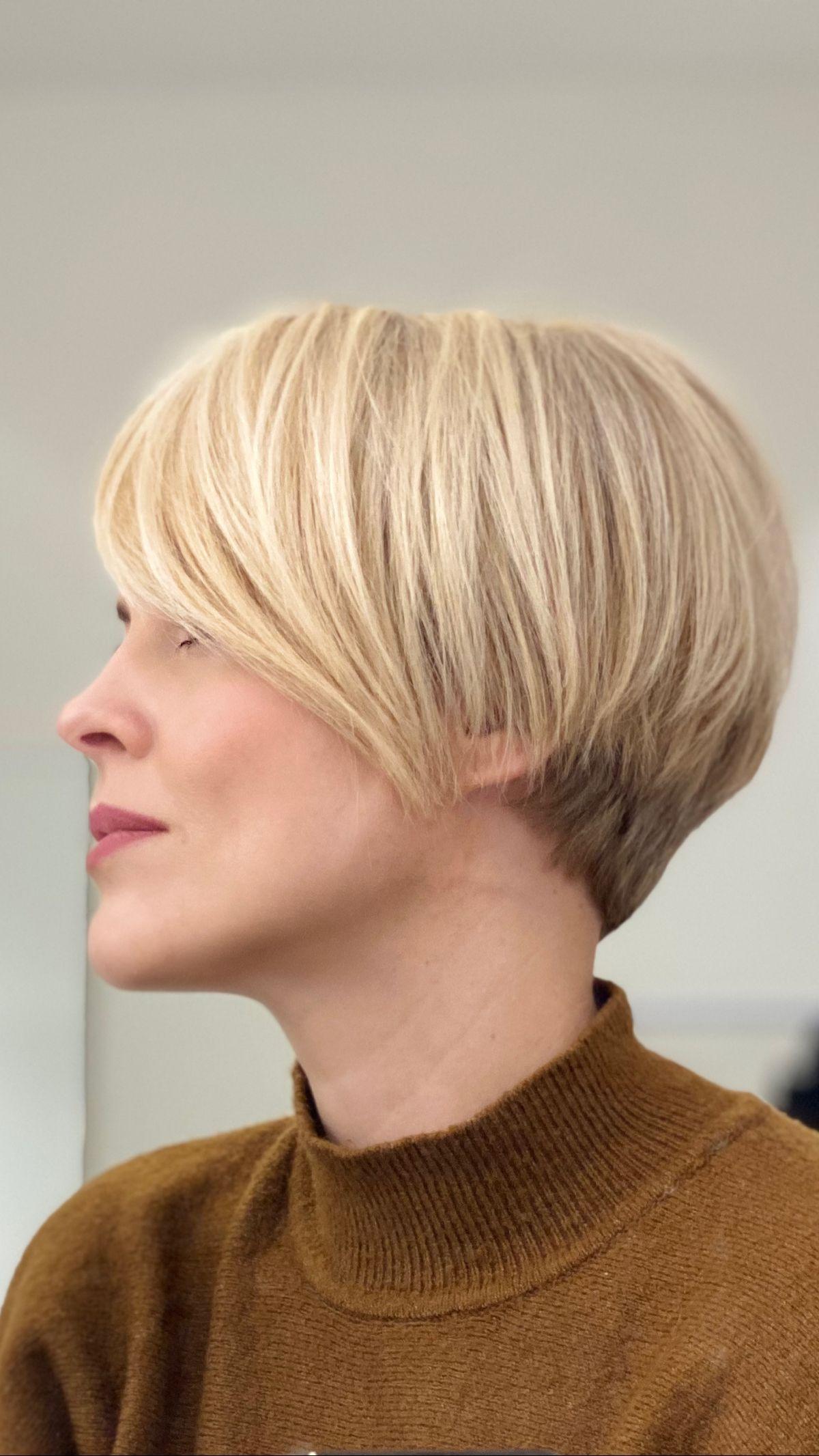 Short bob haircut The cut & colour: how to achieve