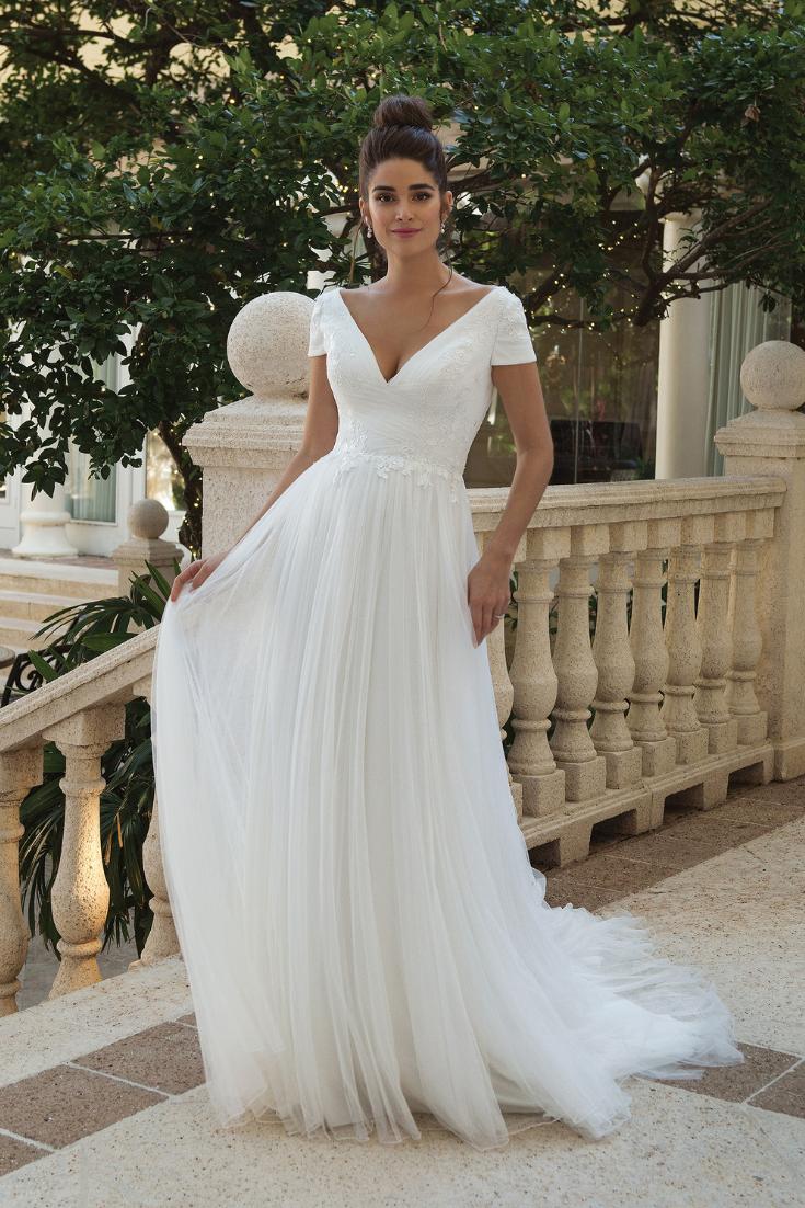 Sincerity Bridal : les modèles printemps 2019 auxquels les mariées ne résistent pas !