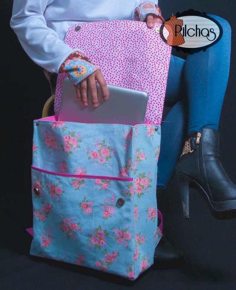 Mochilas porta notebook en lona, con bolsillo acolchado interno...
