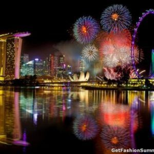 Amazing New Year Countdown And Firework On Marina Bay New Years Eve Fireworks Happy New Year Fireworks New Year Fireworks