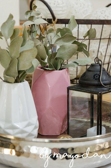 Wohnzimmerdeko Im Winter #Wohnzimmer #livingroom #deko #Dekoration #rosa  #vasen