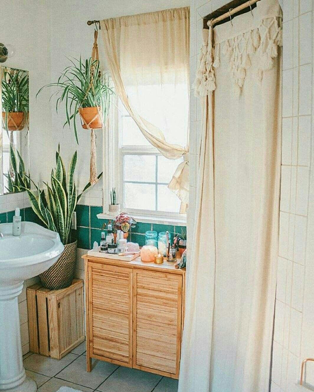 Banheiro Com Armario De Madeira Crua Urbanoutfittershome Banheiro Bathroom Decor Deco Rental Bathroom Makeover Rental Bathroom Rental Kitchen Makeover
